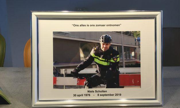 Helmerhoek heeft een condoleanceregister geopend voor wijkagent Niels Scholten.