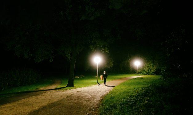 Helmerhoek bij avond