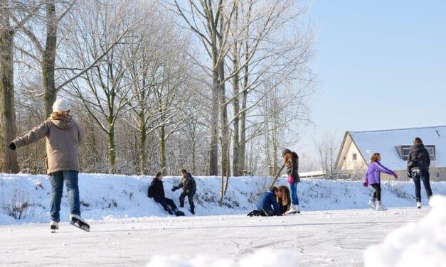 Sneeuw . . . . . IJs . . . . .